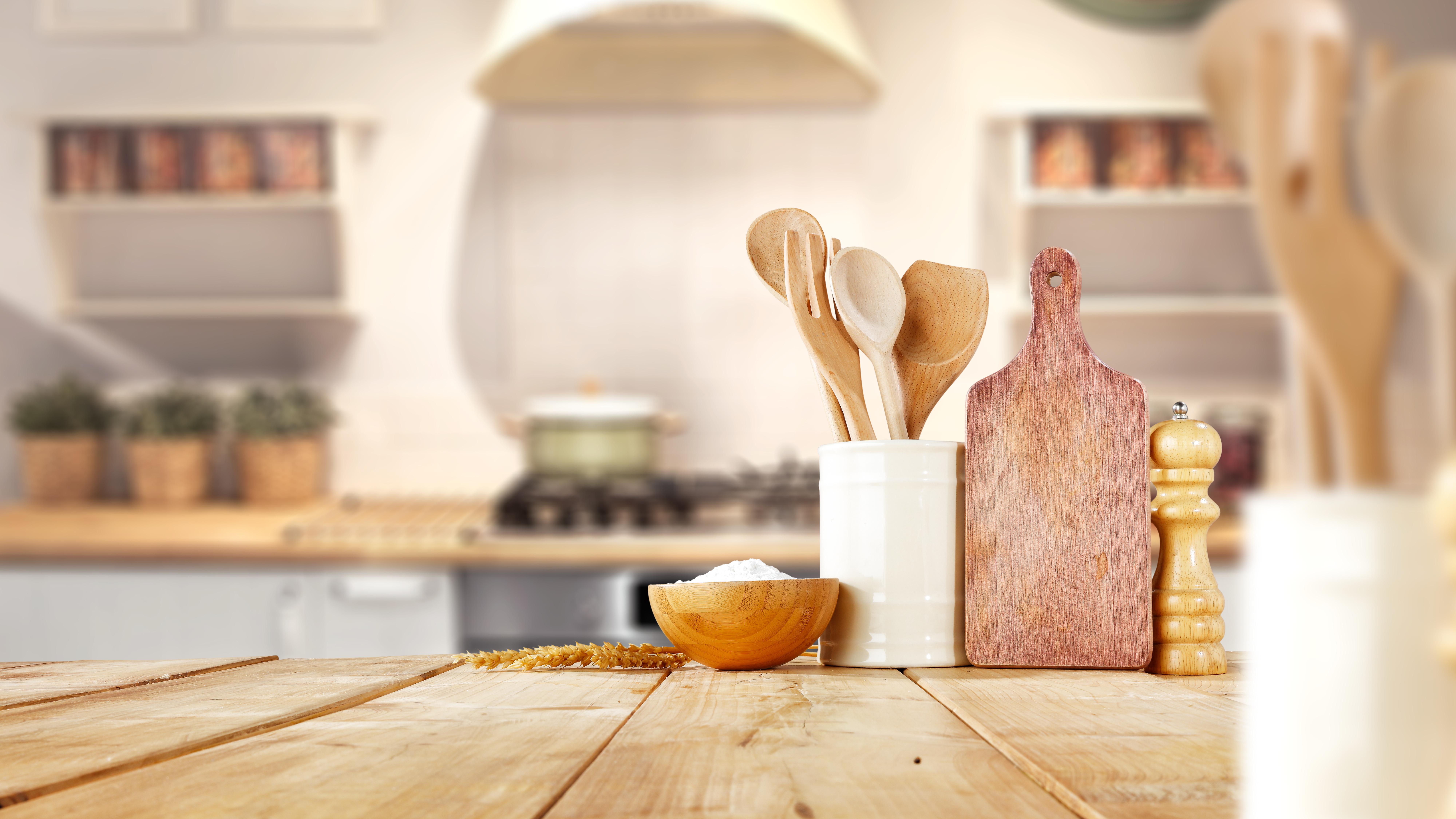 プロが教える 壁紙でキッチンをおしゃれにする方法 アクセントクロス